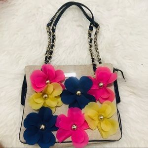 Kate Spade daisy nowelty flowers bag with chain